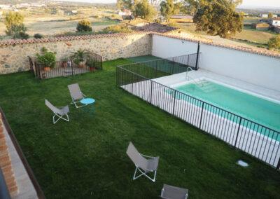 Apartamentos Rurales piscina 600x400 1