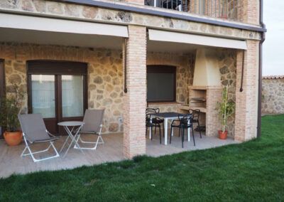 Apartamentos Rurales apart porche 600x400 1