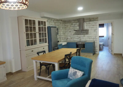 Apartamentos Rurales cocina azul 600x400 1
