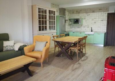 Apartamentos Rurales cocina verde 2 600x400 1
