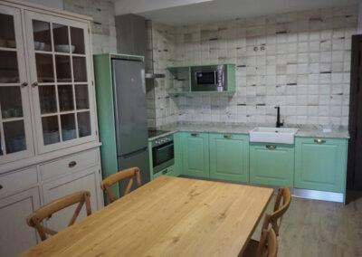 Apartamentos Rurales cocina verde 600x400 1