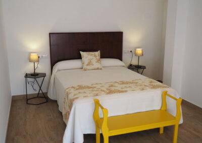 Apartamentos Rurales doble cama arriba 600x400 1