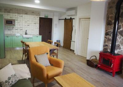 Apartamentos Rurales salon verde 600x400 1